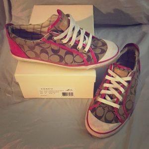 Coach Barretts Size 10 Tan and Pink